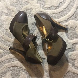 Charles David Green &Brown Heels